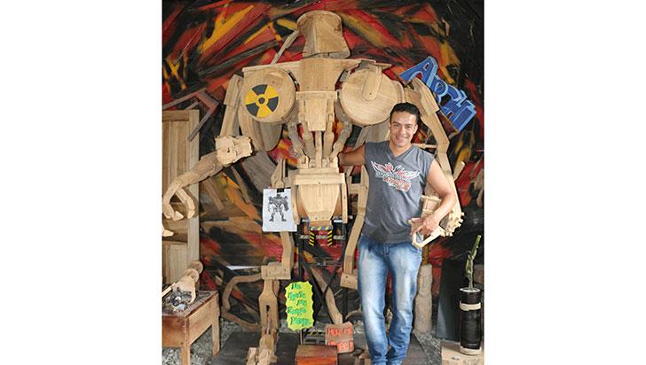 Daniel Ramírez elaboró su propio RoboCop