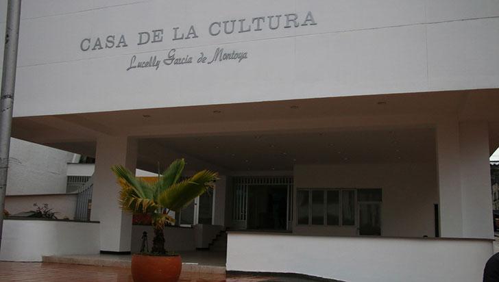 Con develación de placa inicia homenaje a Lucelly García de Montoya en Calarcá