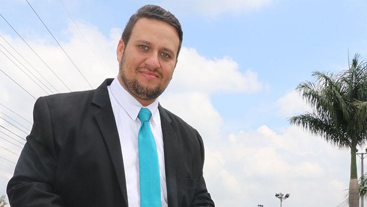 Diego Palacio dirigió el ensamble musical de la conmemoración a los 20 años del terremoto