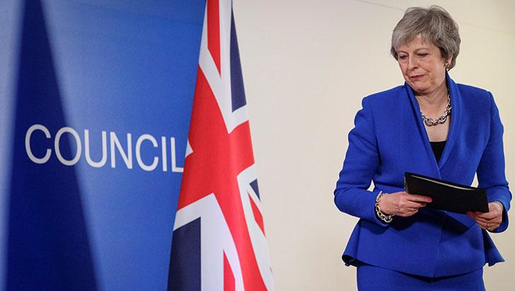 Theresa May exigirá a Bruselas reabrir el acuerdo de salida de la Unión Europea