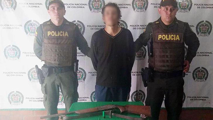 Ciudadano fue sorprendido con una escopeta ilegal en Calarcá