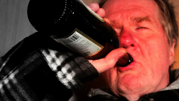 La ciencia emborrachó gente para averiguar si mezclar tragos causa más guayabo