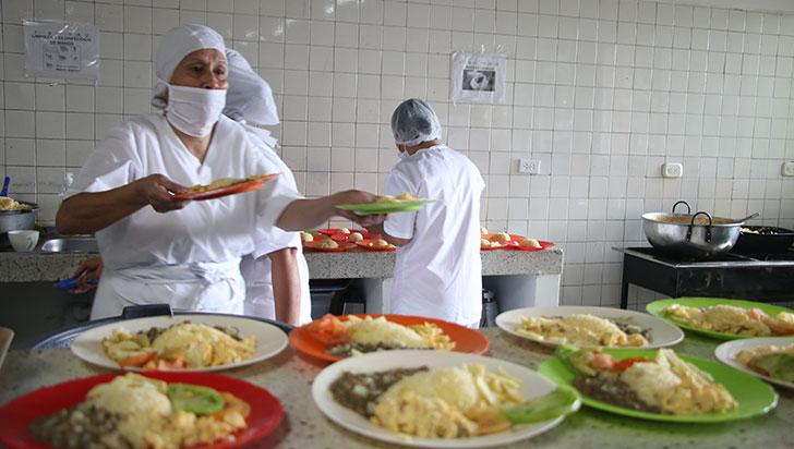 Con la entrega de 7.998 complementos tipo almuerzos, inició el PAE en Armenia
