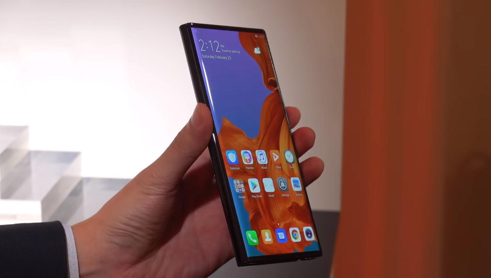 Huawei presenta su primer teléfono plegable, el Mate X