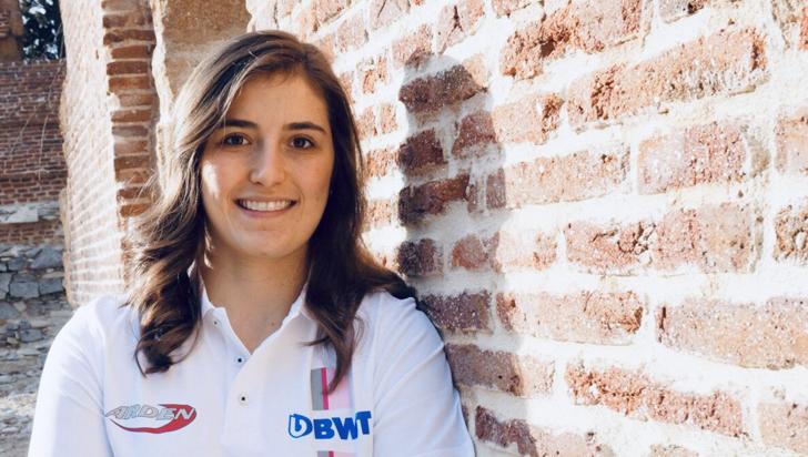 "Tatiana Calderón, ""feliz de continuar como piloto de pruebas para Alfa Romeo"""