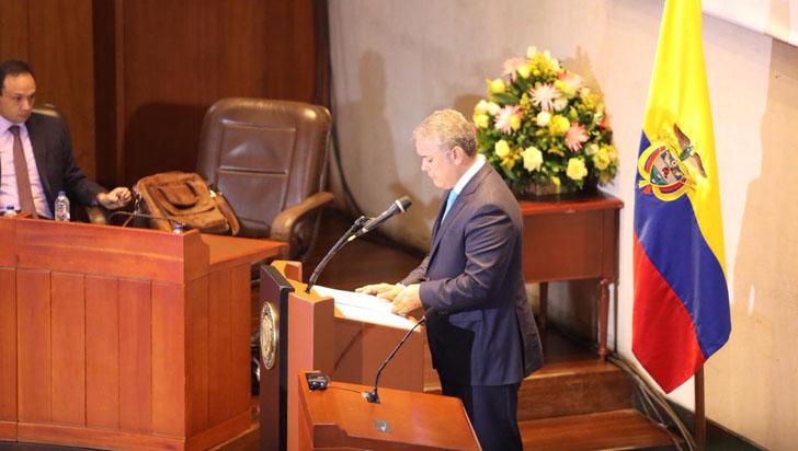 Duque pide a la Corte Constitucional que sentencia sobre glifosato sea moderada