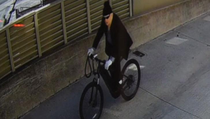 Ladrón de banco en California huyó en bicicleta eléctrica con 8.000 dólares