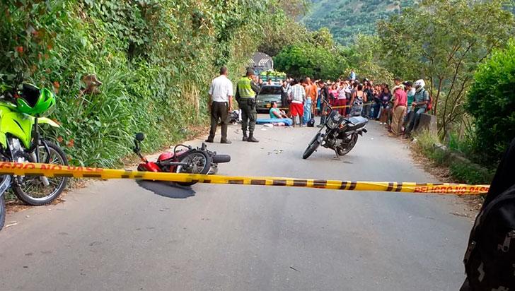Triple colisión dejó un muerto y tres heridos en vía Génova-Barragán