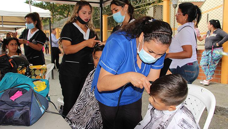 Jornada de salud, recreación y peluquería en La Arboleda