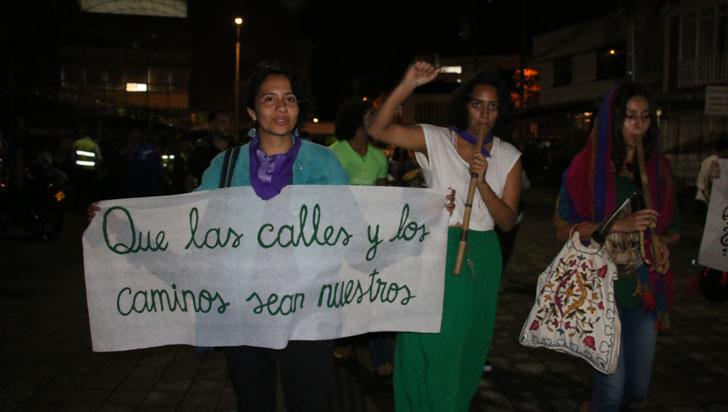 Mujeres marcharon en Armenia  por vulneración de derechos de género