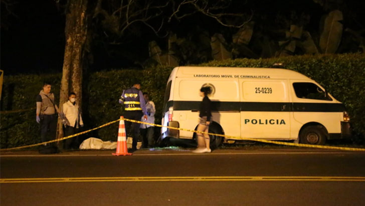Accidente en la vía La Tebaida - La Paila cobró la vida de motociclista y su acompañante