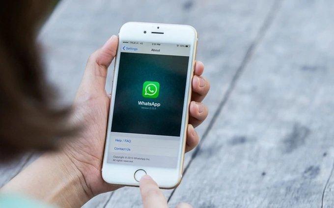 """Facebook e Instagram se """"caen"""" y ahora Whatsapp"""