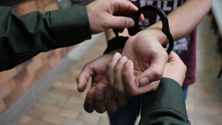 Hombre fue enviado a la cárcel en Armenia por actos sexuales con una niña