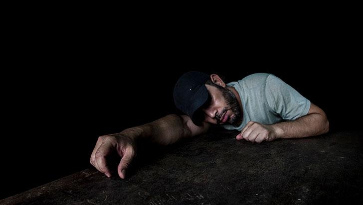 Síndrome de la vieja bruja, un mito más de los trastornos del mal dormir
