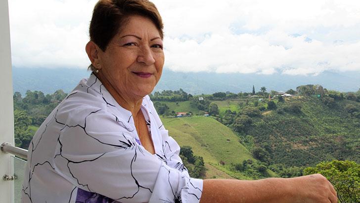 Amparo Flórez dirige el proyecto Mujeres uniendo generaciones