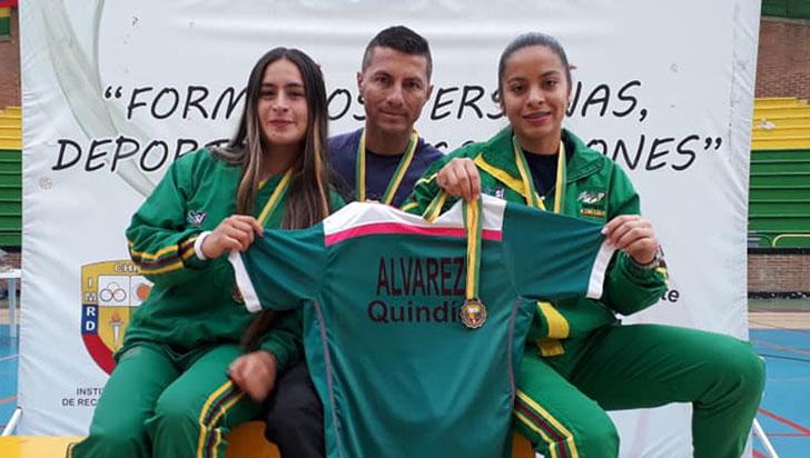 María Julieth y Luisa, ganadoras en dobles del nacional de bádminton