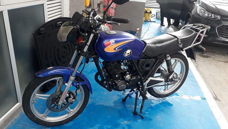 Robaron una moto en Armenia