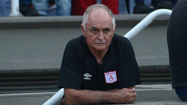 Fernando 'Pecoso' Castro dejó de ser el técnico del América de Cali