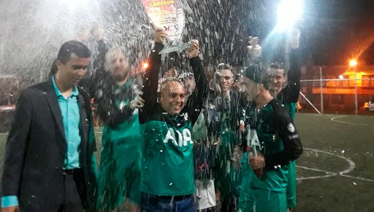 El título de la Copa Recreativa de Microfútbol quedó en manos del equipo Deli Pollo FC