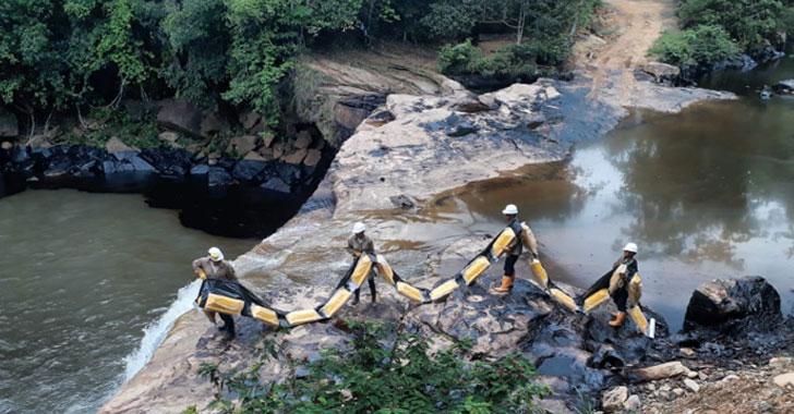 Limpian el Pozo Azul, afectado por atentado del Eln contra oleoducto