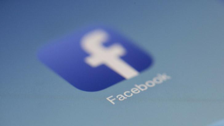 Facebook trabaja secretamente en un asistente de voz como Siri de Apple