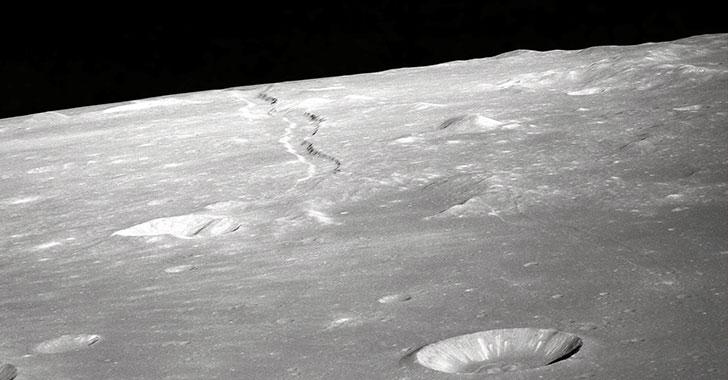 La Luna pierde 200 toneladas de agua al año por impactos de meteoritos