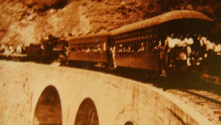El fallido paso del ferrocarril por la depresión de Navarco-Calarcá