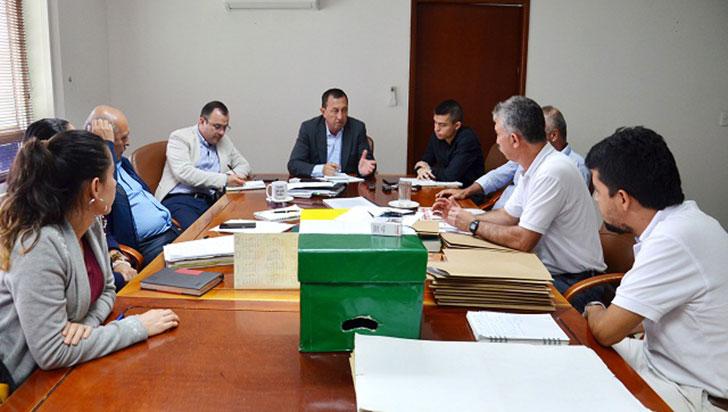 """""""No vamos a privatizar los servicios públicos"""": gerente de EPA y alcalde de Armenia"""