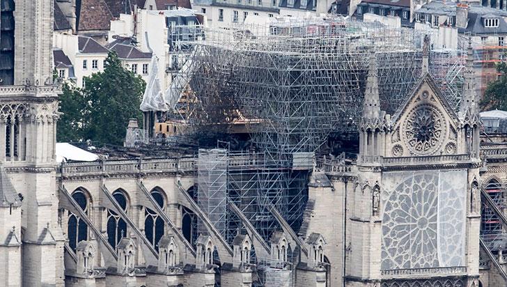 Policía halló colillas de cigarrillos en los andamios donde surgió el fuego de Notre Dame