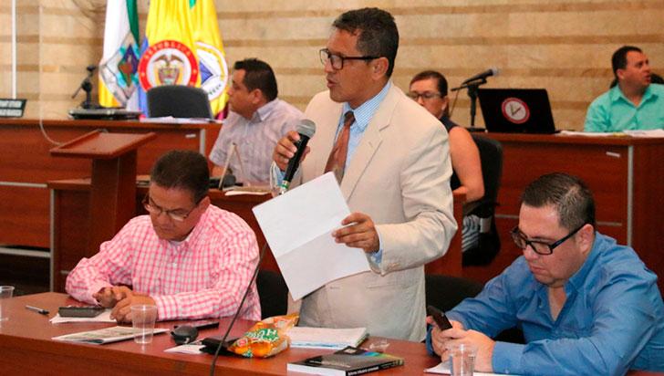 Proyecto de adición  presupuestal, suspendido en debate de comisión