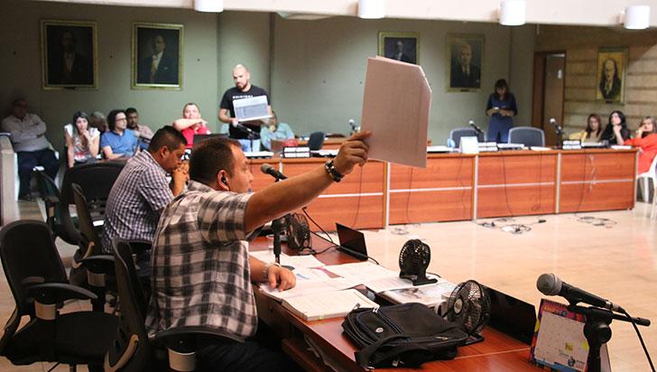 Ánimos caldeados en debate de adición presupuestal