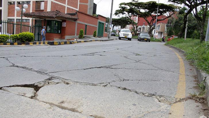 Hundimiento de la malla vial,  situación crítica en Armenia
