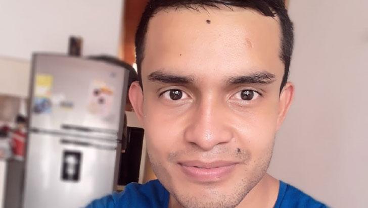 Cuando manejaba su motocicleta, Cristian Felipe Carmona fue asesinado