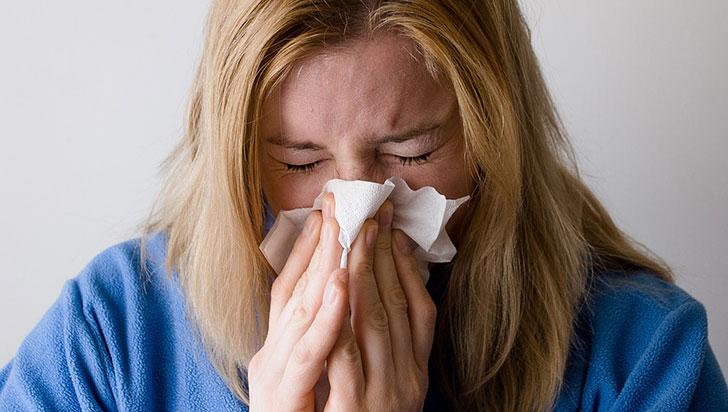 Detección temprana de rinitis alérgica ayuda a evitar el asma