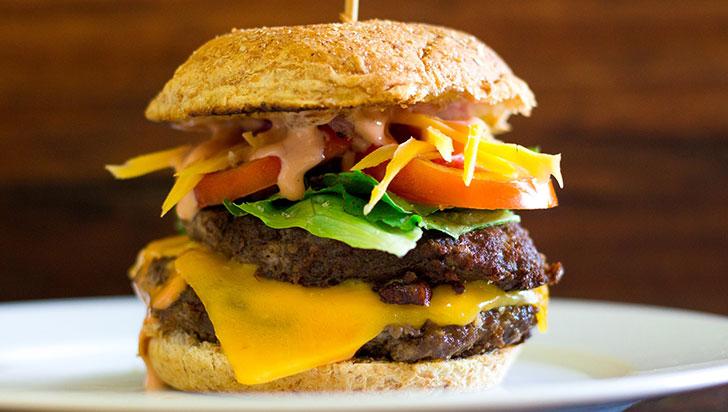 En Burger Master, 25.532 hamburguesas se vendieron en Armenia