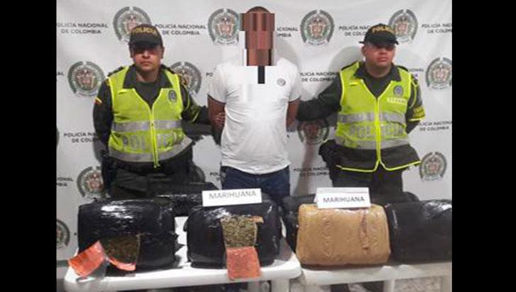 Capturado con 13 paquetes de marihuana en un bus