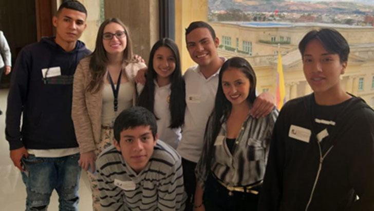 Rector y estudiantes del Rufino Sur viajaron a Bogotá a exigir la construcción del colegio