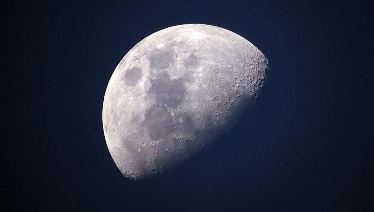 """La Luna """"tiene arrugas y se está achicando"""", según estudio científico"""