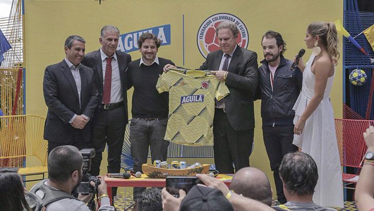 Cerveza Águila renovó por cuatro años patrocinio a la selección Colombia