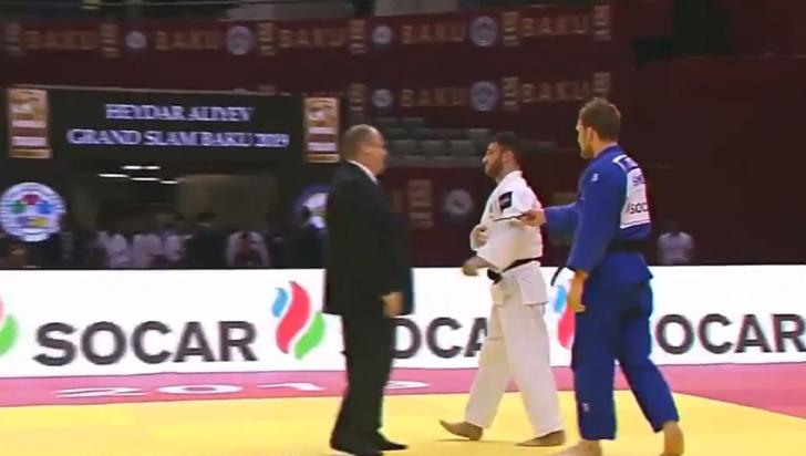 ¡Insólito! Judoca perdió pelea porque se le cayó el celular en pleno combate