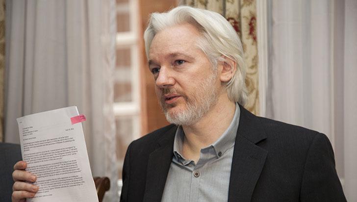 Defensa de Assange impugnará diligencia de incautación de pertenencias
