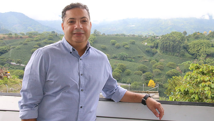 """""""Quiero ser un alcalde en tenis"""": Mario Sánchez, precandidato en Armenia"""