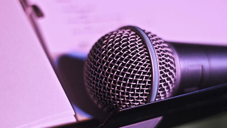 Inteligencia artificial traduce discursos manteniendo la entonación y la voz originales