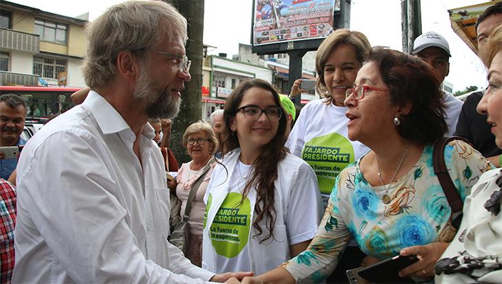 Mockus vuelve a ser senador temporalmente, suspenden fallo que lo dejó sin curul