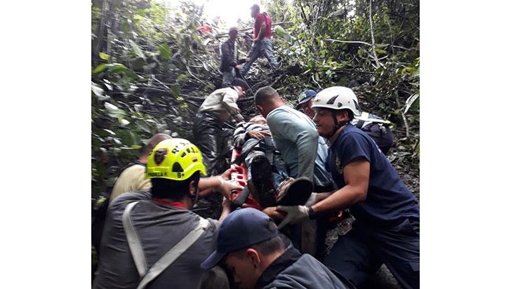 De los siete heridos en accidente de Jeep Willys, una joven permanece en la UCI