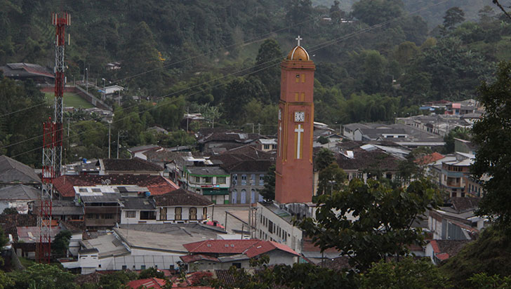 Comercio y sector productivo de Pijao, afectado en un 93% por contingencia vial