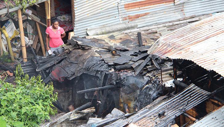 Dos viviendas resultaron afectadas por incendio en el barrio Milagro de Dios