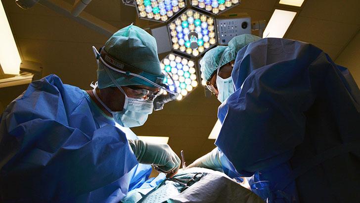 Cirujanos implantaron en Bucaramanga corazón artificial a una niña de diez años