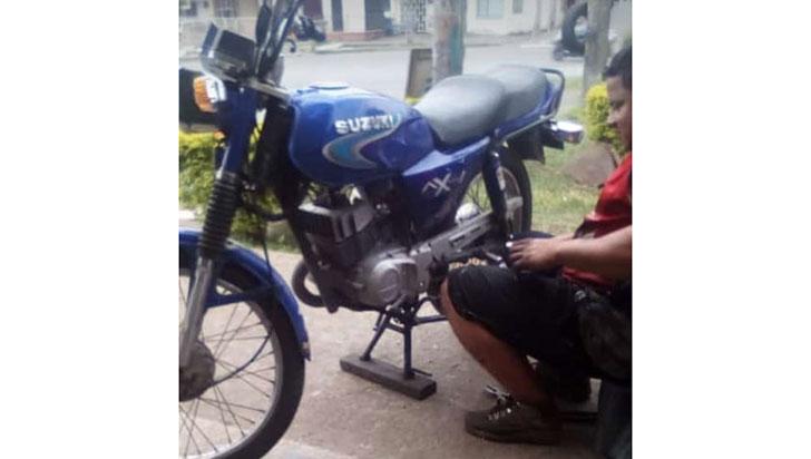 Desconocidos robaron una moto en el barrio La Fachada de Armenia