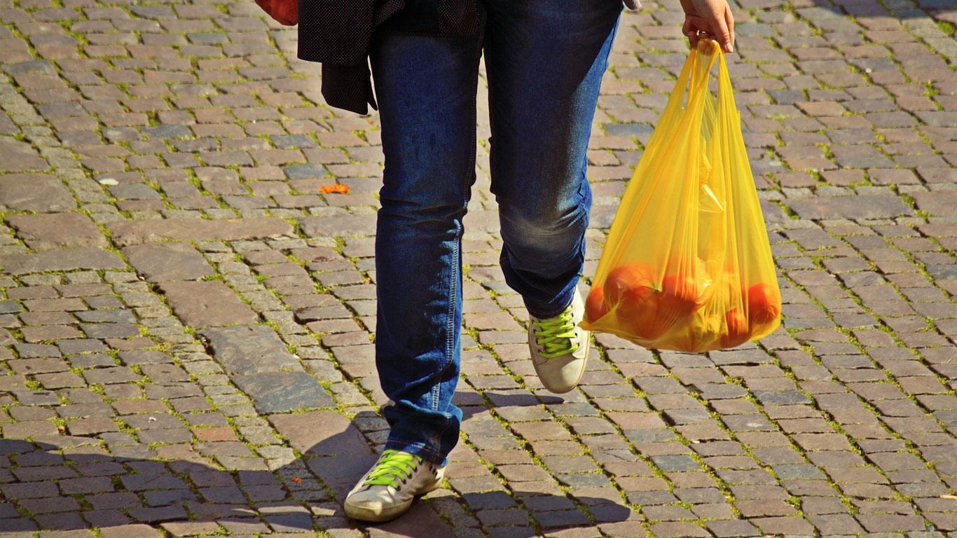 Por ley, en Tanzania los comerciantes no podrán entregar bolsas plásticas